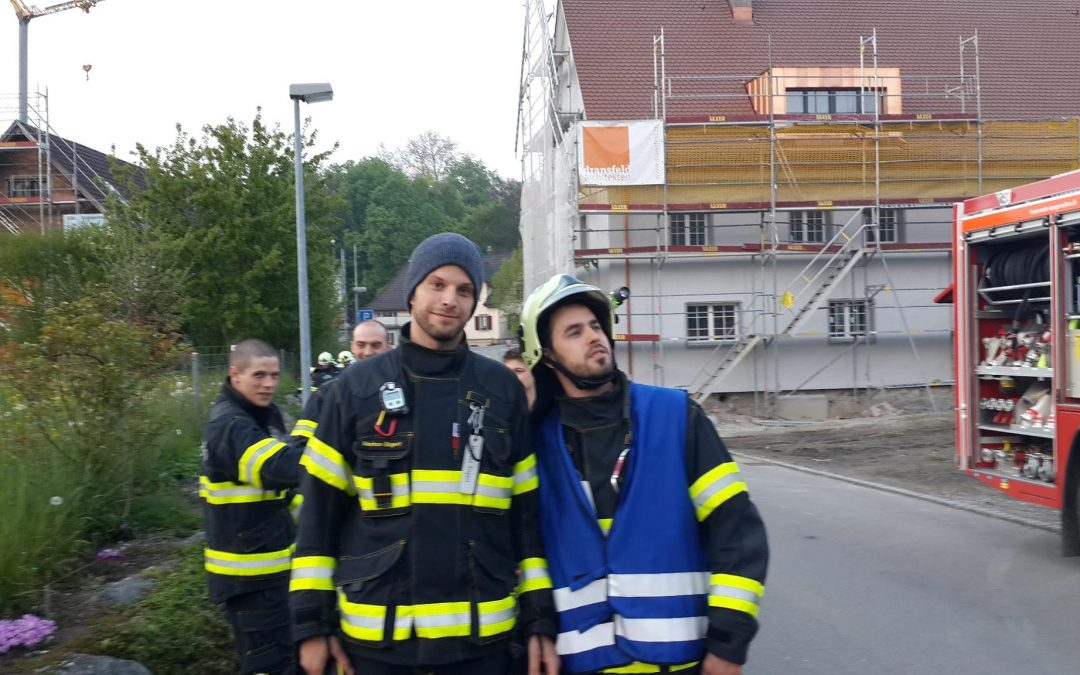 Feuerwehrübung am Haus Nägeli