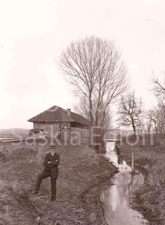 Jakob-Greuter posiert am Espengraben in Gottlieben