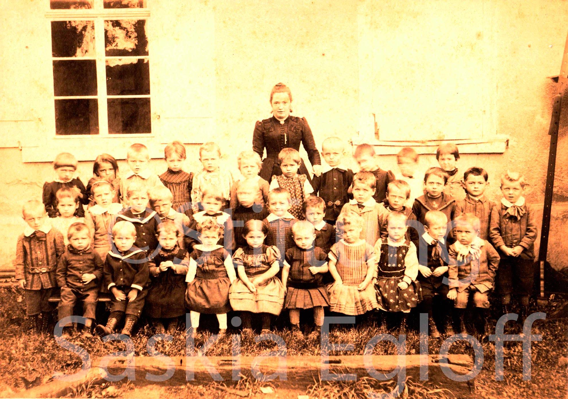 Tägerwiler Kindergärtner mit ihrer Tante<br><br>